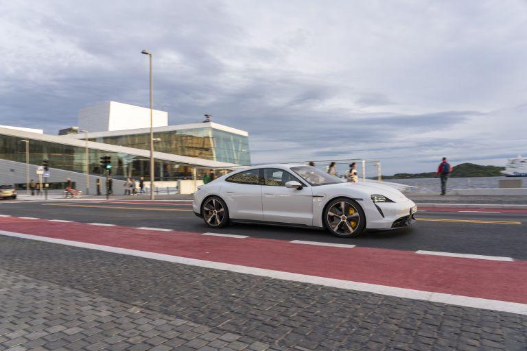 2020 Porsche Taycan turbo S 563264