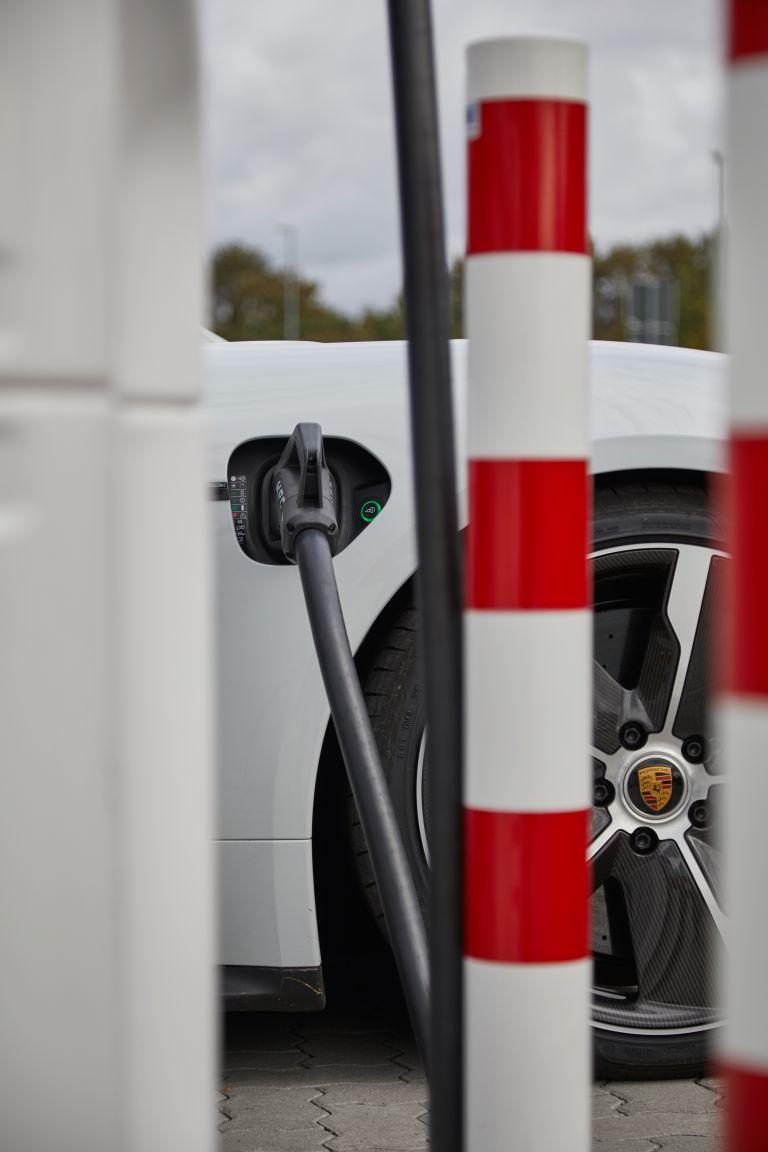 2020 Porsche Taycan turbo S 563312