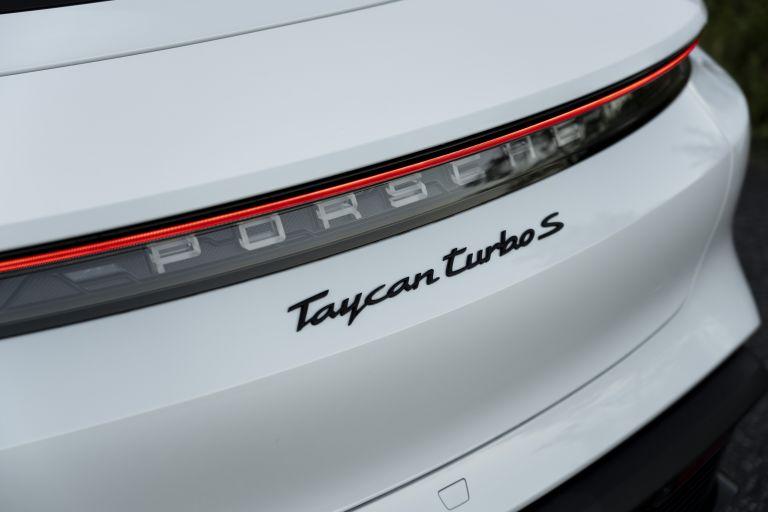 2020 Porsche Taycan turbo S 563325