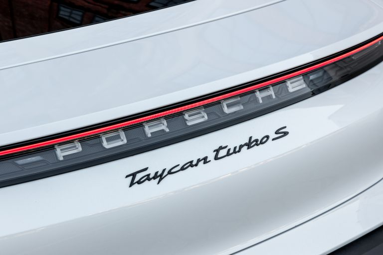 2020 Porsche Taycan turbo S 563326