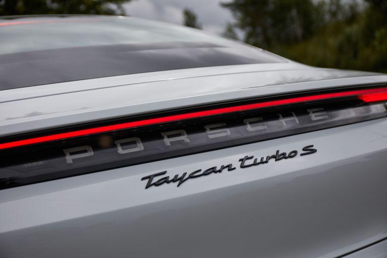 2020 Porsche Taycan turbo S 563327