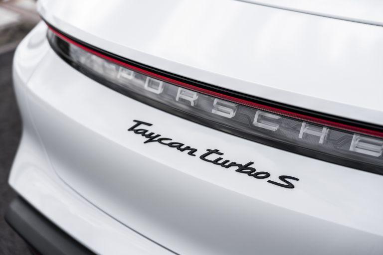 2020 Porsche Taycan turbo S 563329