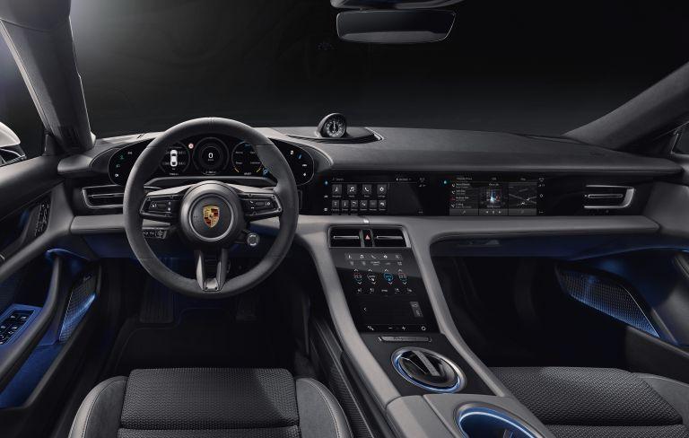 2020 Porsche Taycan turbo S 563339