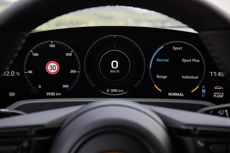 2020 Porsche Taycan turbo S 563352