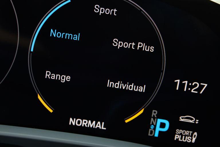 2020 Porsche Taycan turbo S 563353