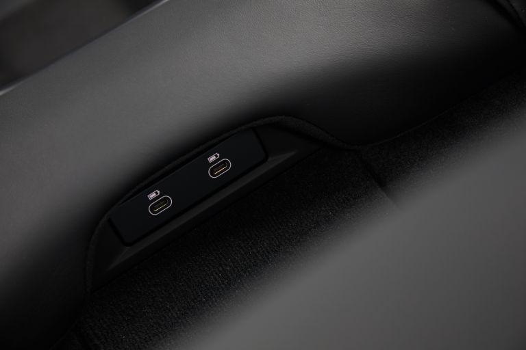 2020 Porsche Taycan turbo S 563356