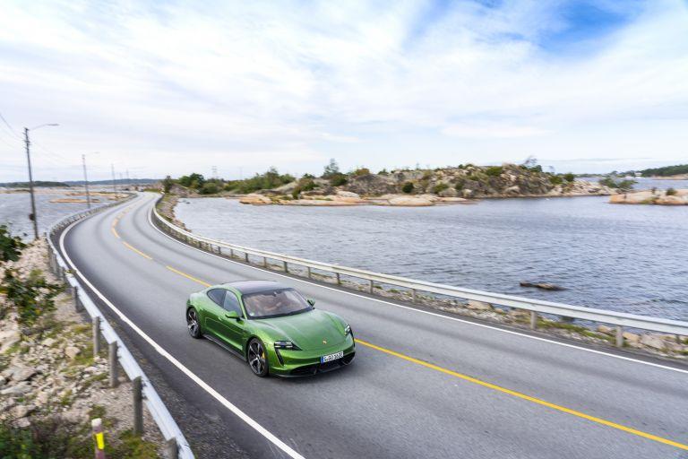 2020 Porsche Taycan turbo S 563394
