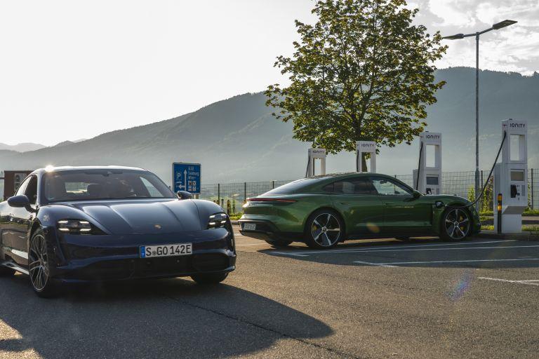 2020 Porsche Taycan turbo S 563399
