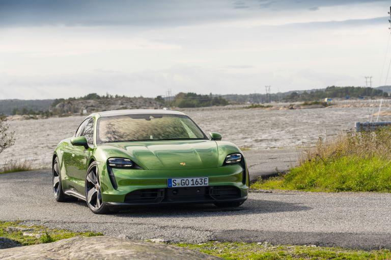 2020 Porsche Taycan turbo S 563408