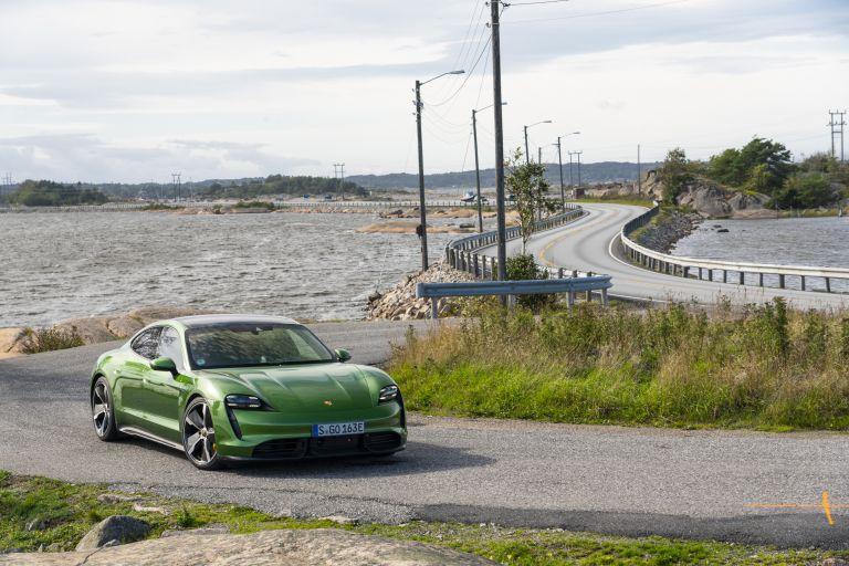 2020 Porsche Taycan turbo S 563412