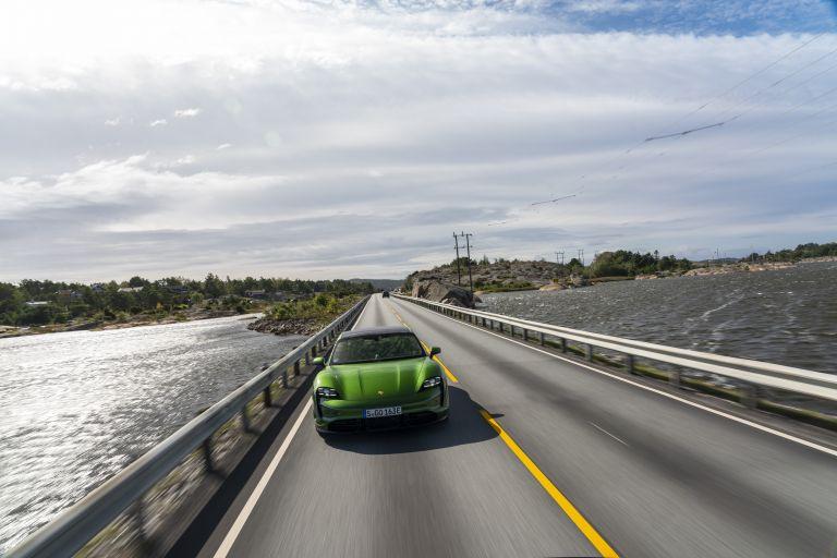 2020 Porsche Taycan turbo S 563415