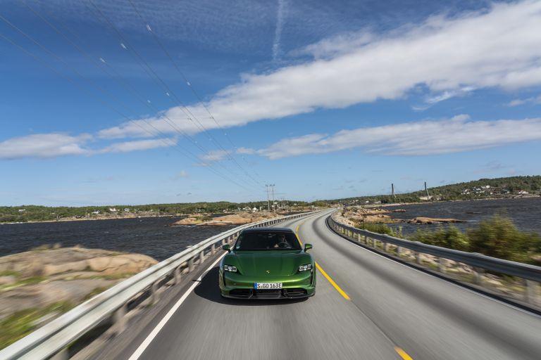 2020 Porsche Taycan turbo S 563417