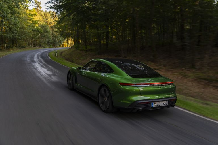 2020 Porsche Taycan turbo S 563440