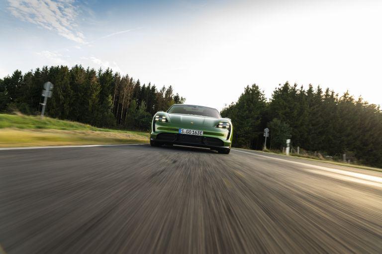 2020 Porsche Taycan turbo S 563448