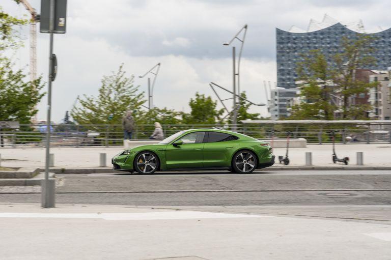 2020 Porsche Taycan turbo S 563469
