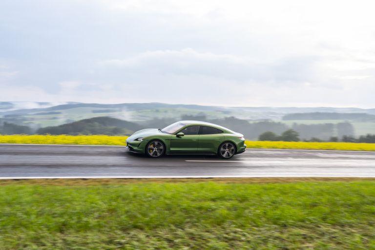 2020 Porsche Taycan turbo S 563475