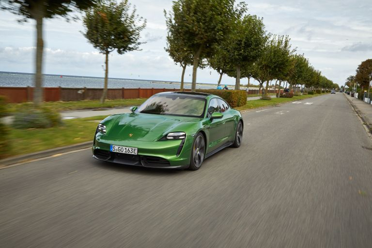 2020 Porsche Taycan turbo S 563500