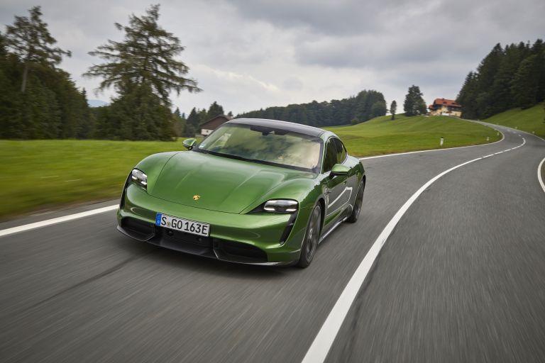 2020 Porsche Taycan turbo S 563511