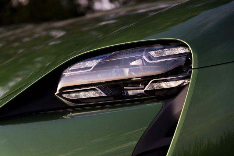 2020 Porsche Taycan turbo S 563530