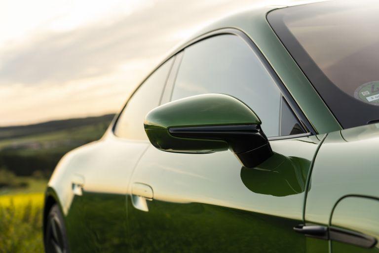2020 Porsche Taycan turbo S 563536