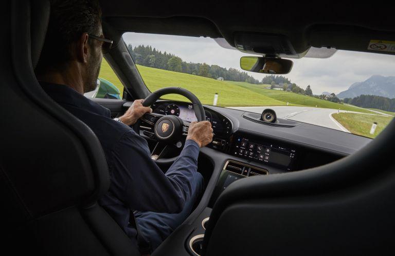 2020 Porsche Taycan turbo S 563548
