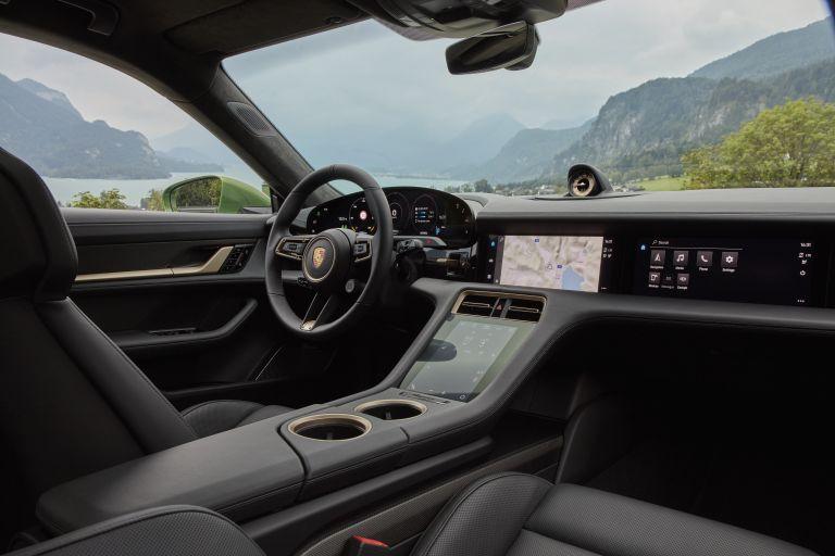 2020 Porsche Taycan turbo S 563551