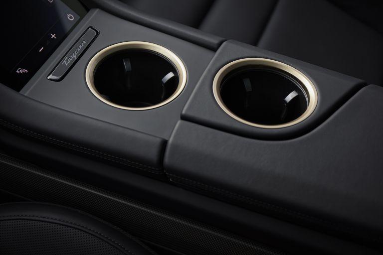 2020 Porsche Taycan turbo S 563557