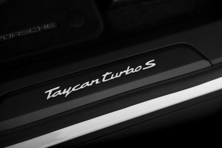 2020 Porsche Taycan turbo S 563560