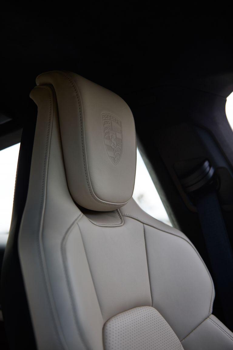 2020 Porsche Taycan turbo S 563564