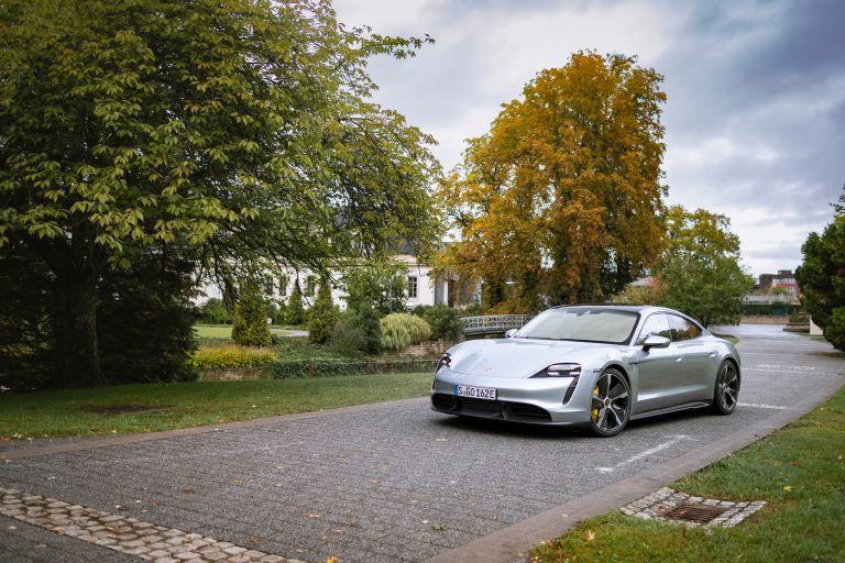 2020 Porsche Taycan turbo S 563565