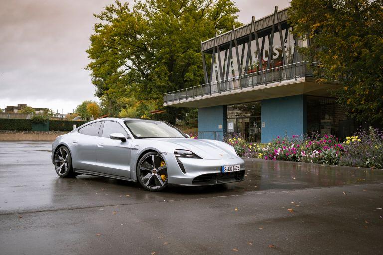 2020 Porsche Taycan turbo S 563580