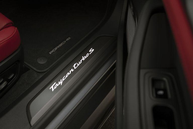 2020 Porsche Taycan turbo S 563592