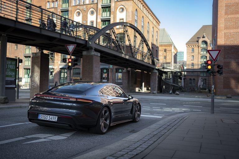 2020 Porsche Taycan turbo S 563617