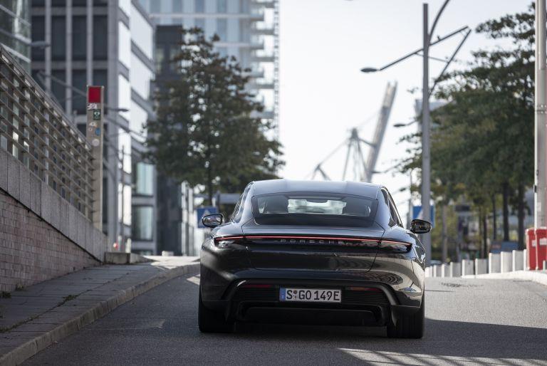 2020 Porsche Taycan turbo S 563629