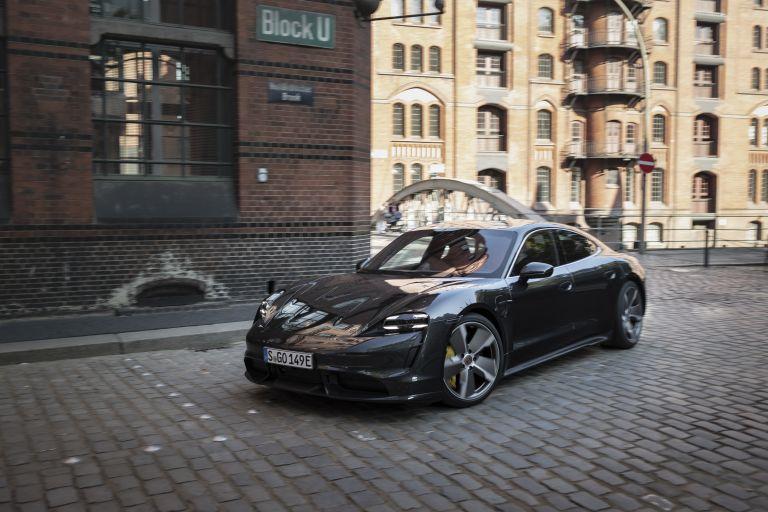 2020 Porsche Taycan turbo S 563644