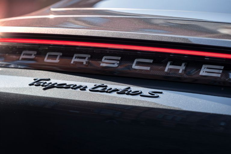 2020 Porsche Taycan turbo S 563648