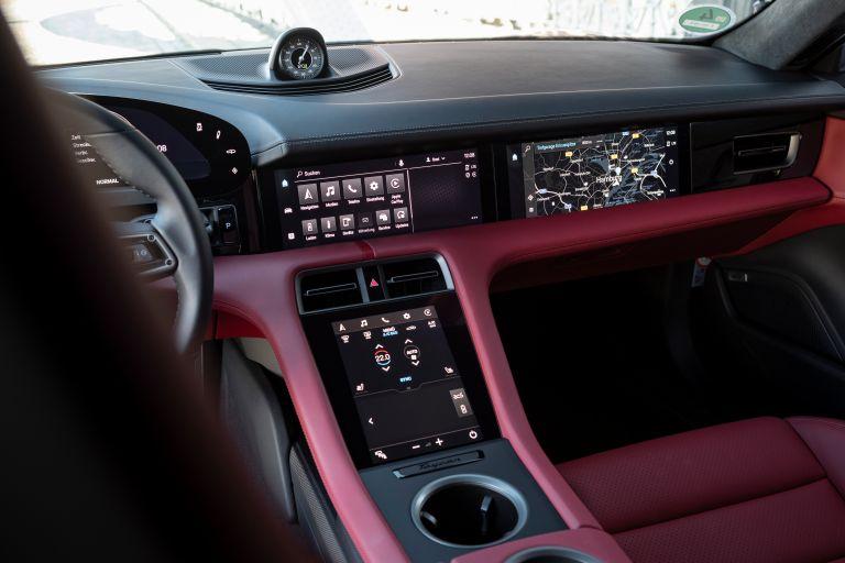 2020 Porsche Taycan turbo S 563652