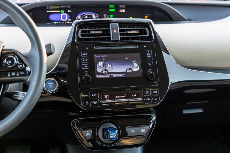 2019 Toyota Prius LE 559741