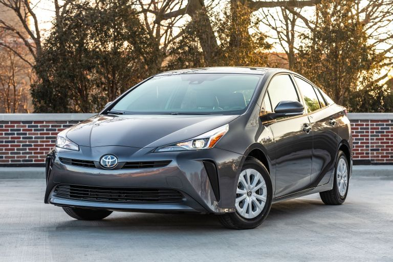 2019 Toyota Prius L Eco 559744