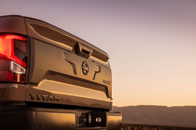 2020 Nissan Titan PRO-4X 560606