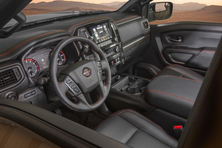 2020 Nissan Titan PRO-4X 560611