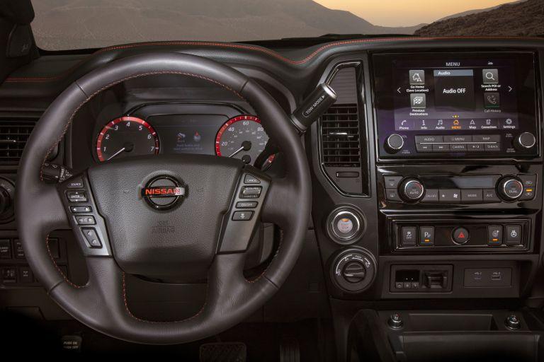 2020 Nissan Titan PRO-4X 560612