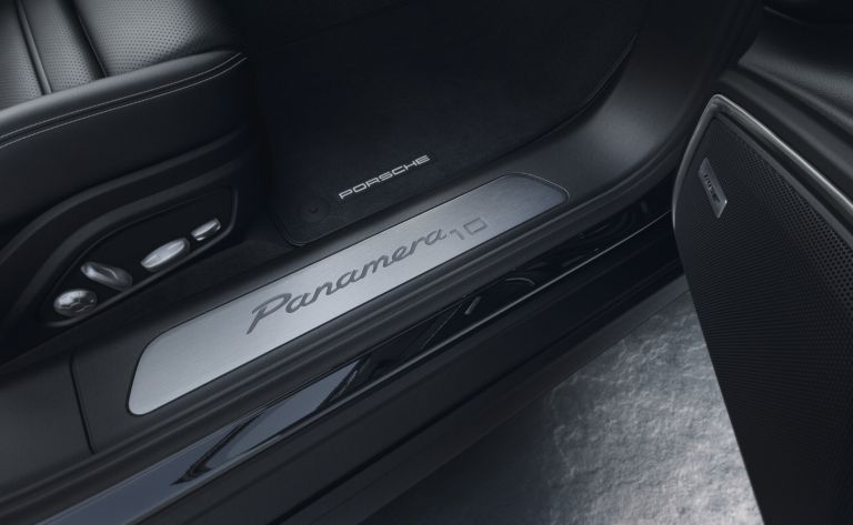 2020 Porsche Panamera 10 Year Edition 560870