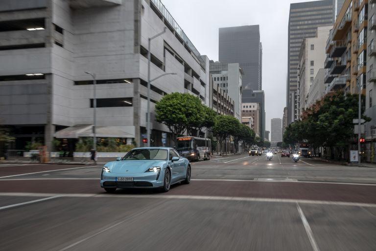 2020 Porsche Taycan 4S 570526