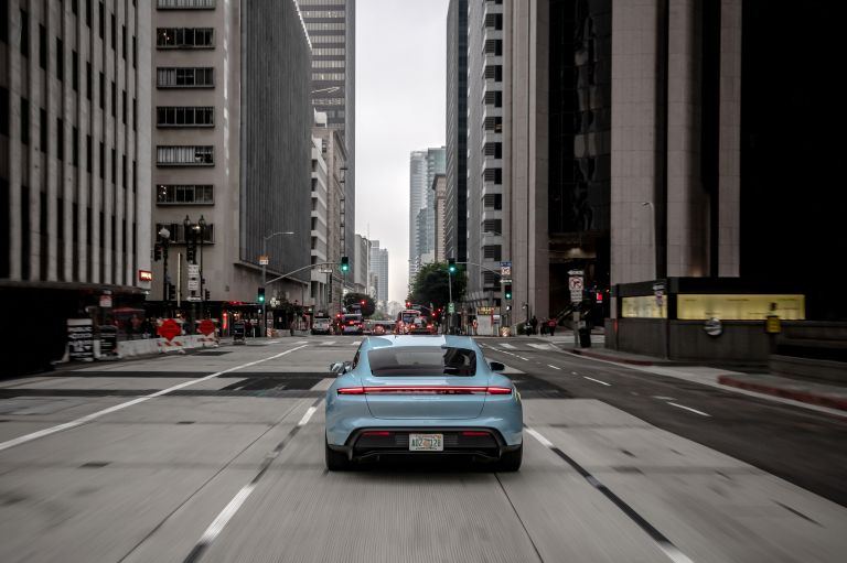 2020 Porsche Taycan 4S 570532