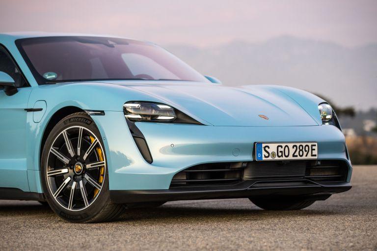 2020 Porsche Taycan 4S 570545