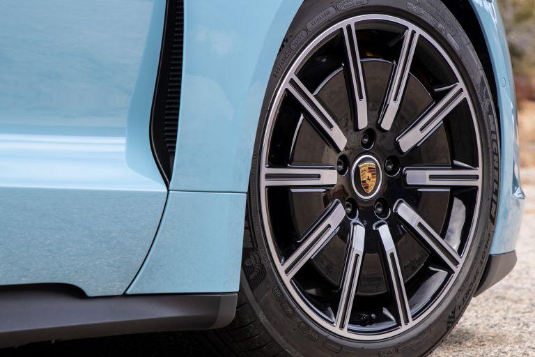 2020 Porsche Taycan 4S 570555