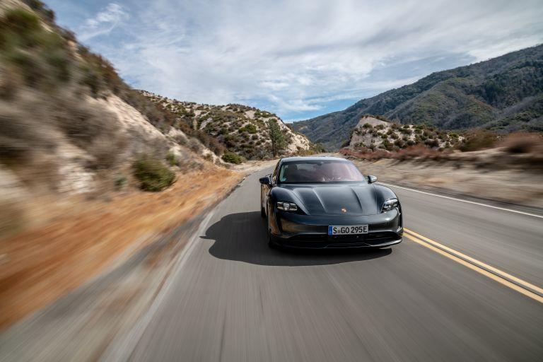 2020 Porsche Taycan 4S 570589