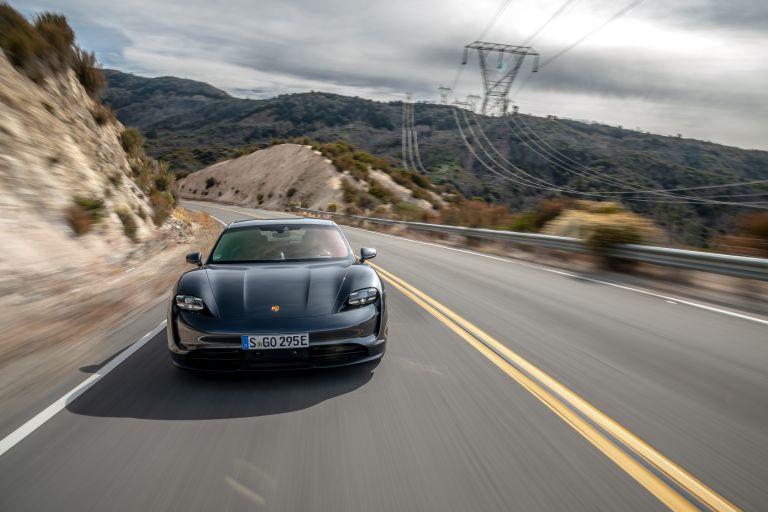 2020 Porsche Taycan 4S 570591