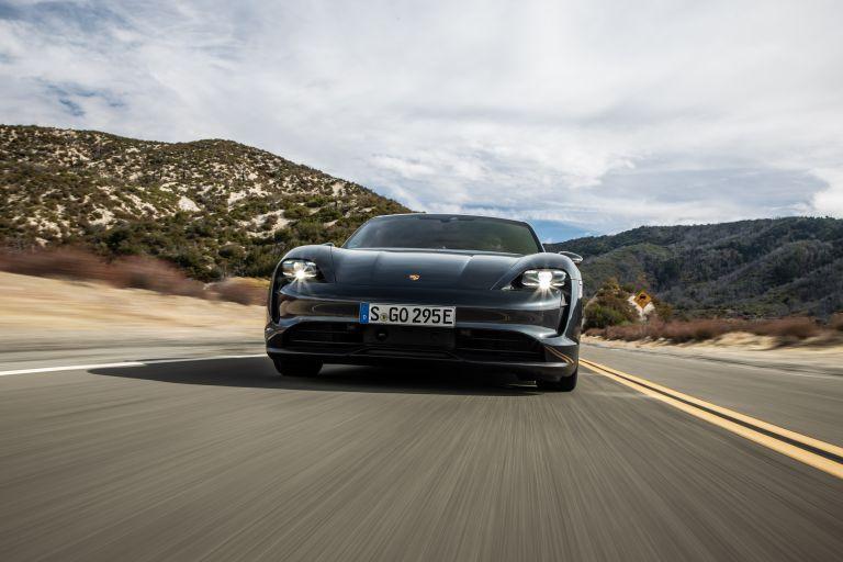 2020 Porsche Taycan 4S 570592